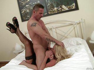 Порно госпожа с большими сиськами