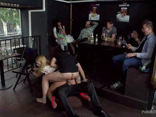 Красивое групповое порно с женой